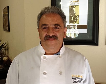 cooking-with-olive-oil-world-uc-davis-chef-eschews-butter-in-favor-of-local-olive-oil-olive-oil-times-chef-ruben-andrade