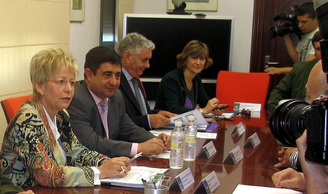 europe-conditions-ripe-in-andalusia-for-return-to-peak-olive-oil-production-olive-oil-times-elena-vboras-left