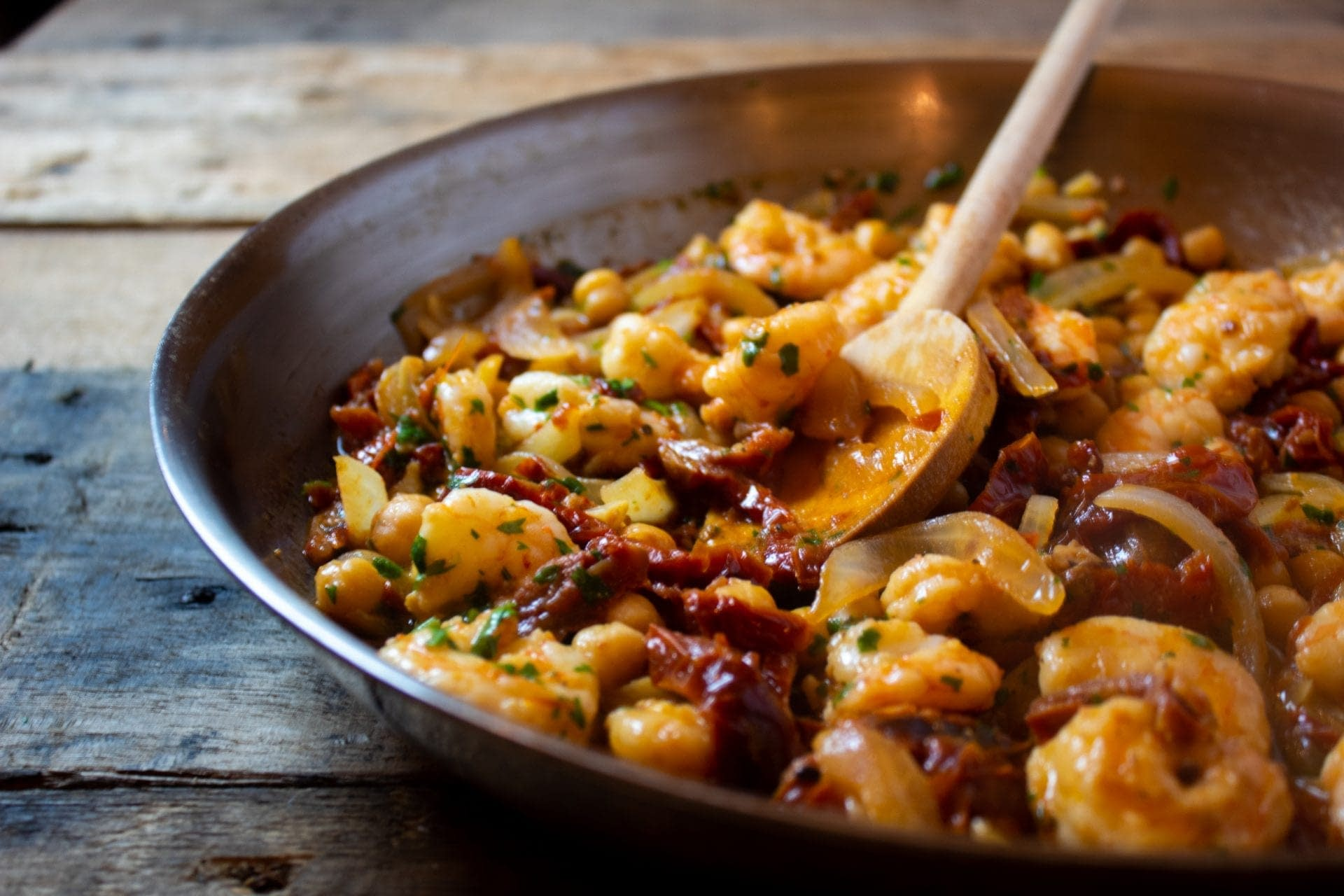 Shrimp and Sun-Dried Tomatoes with Garlic and Olive Oil