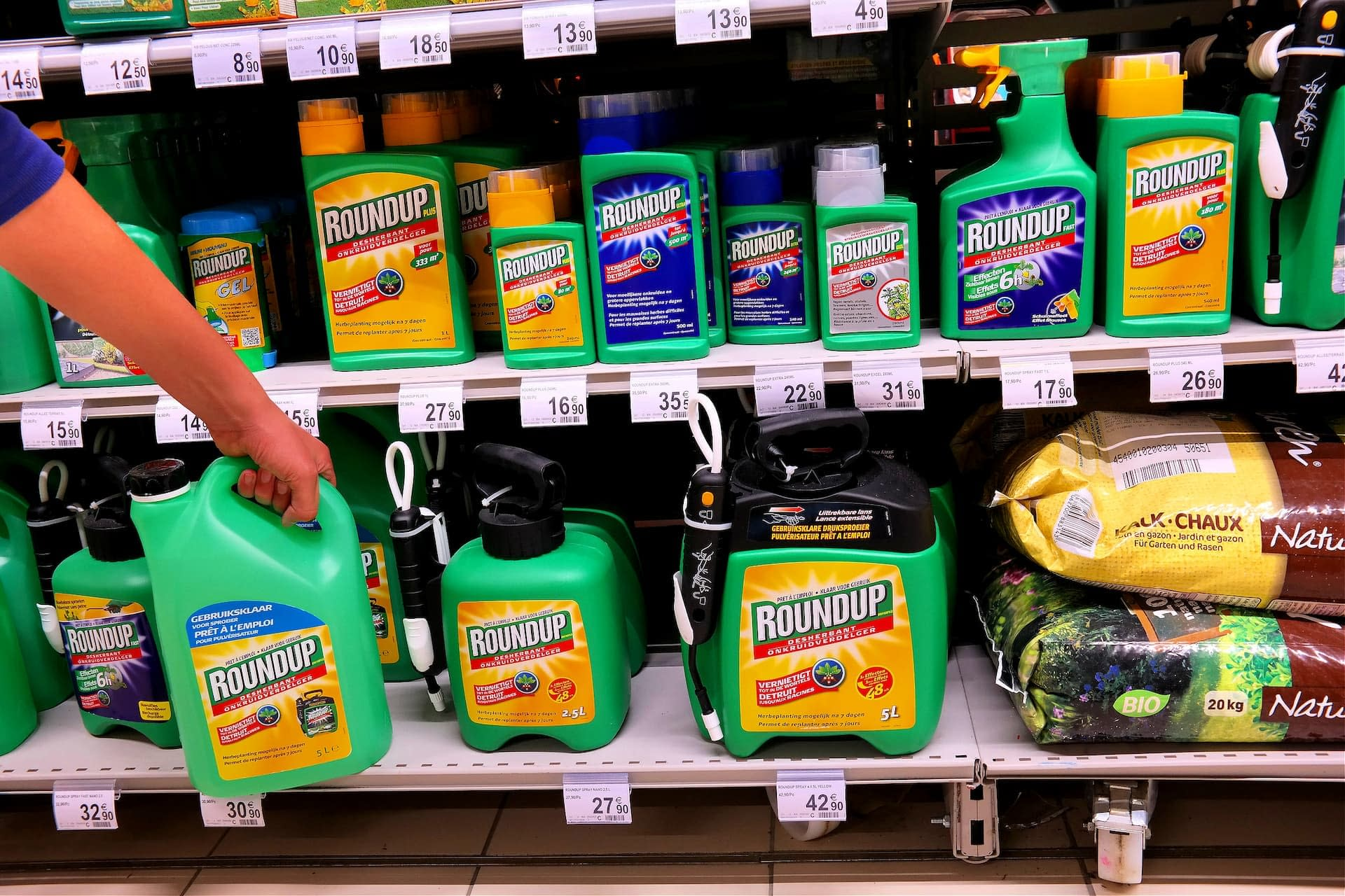 business-europe-glyphosate-controversy-continues-as-new-report-concludes-herbicide-is-not-carcinogenic-olive-oil-times